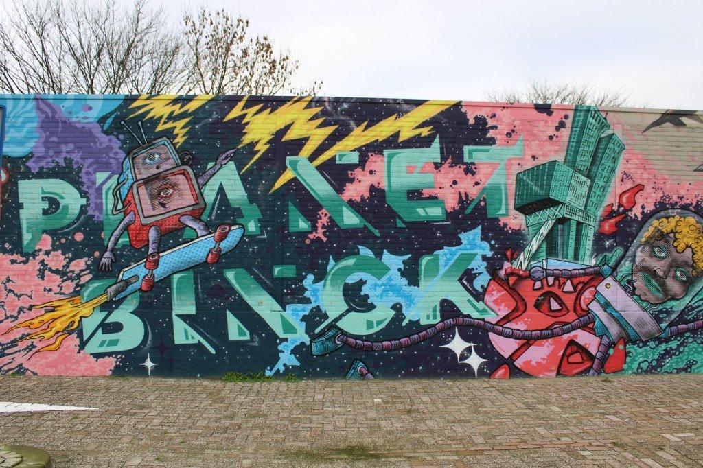 Binckhorst street art: planet Binck